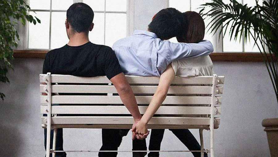 flirter avec son ex en couple
